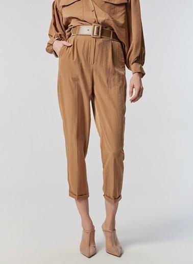 Monamoda Tek Pile Havuç Kesim Pantolon Camel